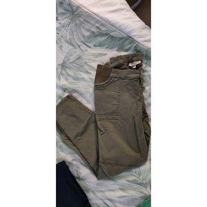 Maternity pants small